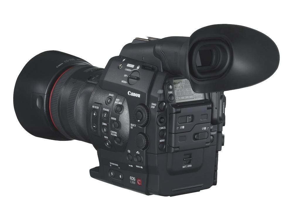 EOS 300C BCL w EF 85mm 1.2 L II USM w HOOD[1]
