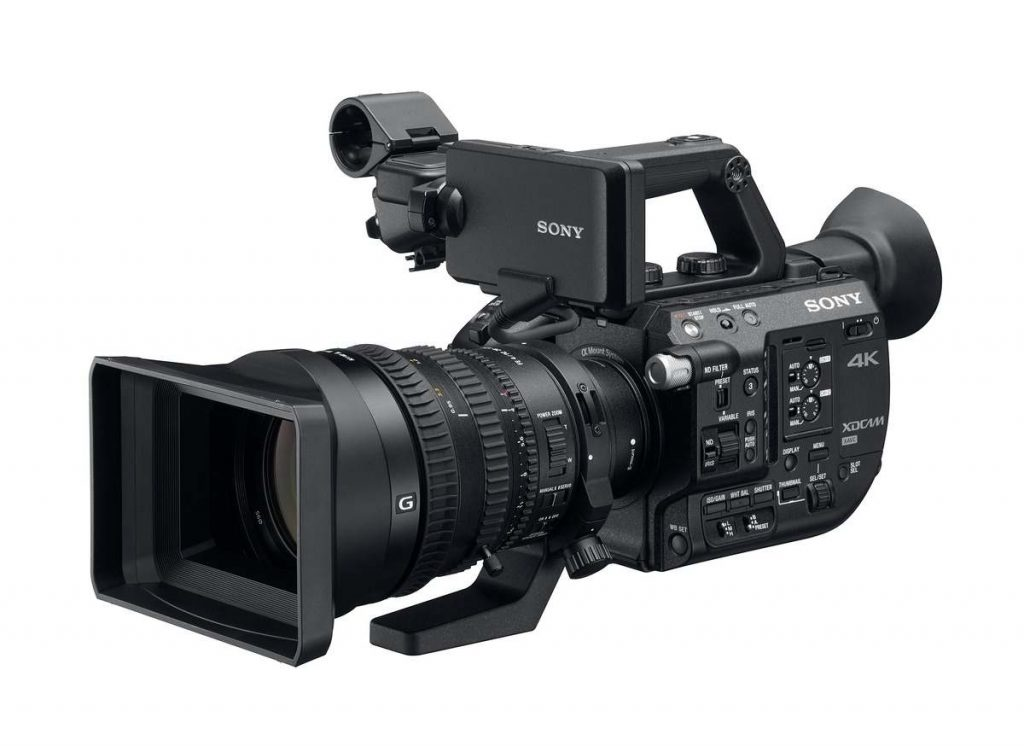 The Sony PXW-FS5 camcorder with 28-135mm lens